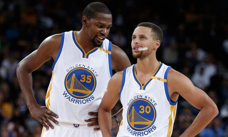 Kevin_durant_steph_curry_warriors_2017_ap_2