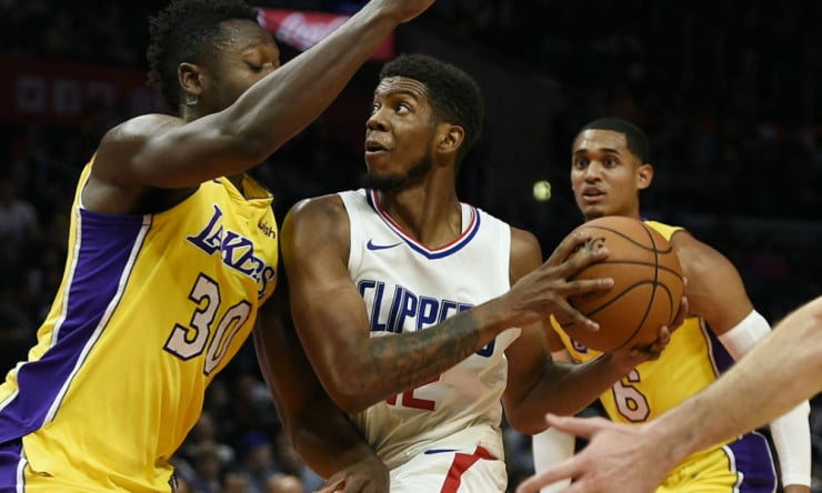 Tyrone_wallace_clippers_2017_ap