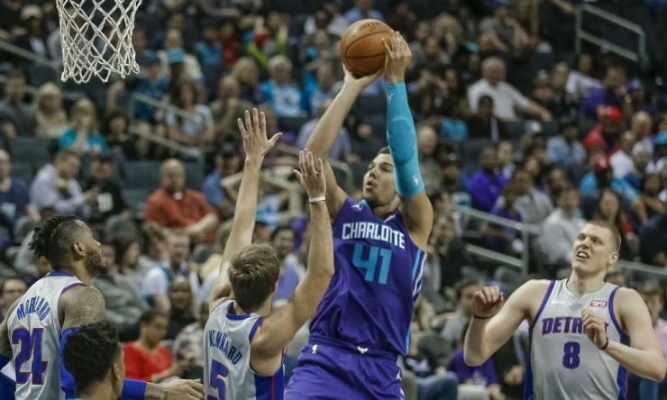 Willy_hernangomez_hornets_2018_ap