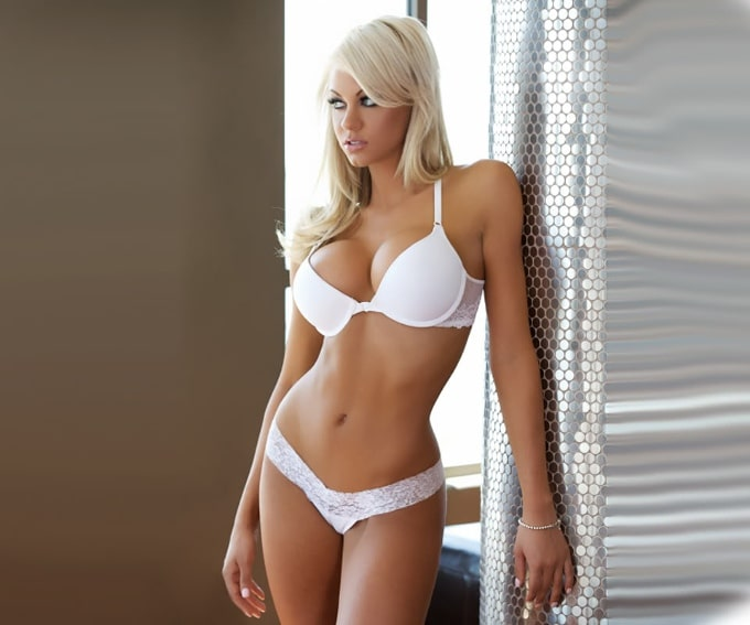Top 10 Hottest Wives